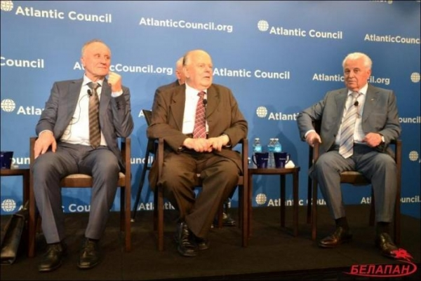 Кравчук, Шушкевич и Бурбулис помечают в США 25-летие развала СССР