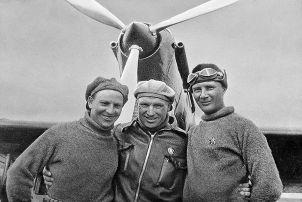 Перелет Чкалова, Байдукова и Белякова через Северный полюс в Америку