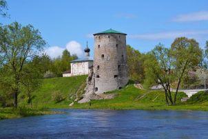 Гремячая башня — одна из башен в Пскове