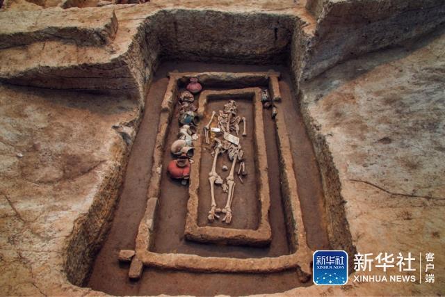 Китайские археологи раскопали в зоне города Цзинань останки людей необычно большого роста
