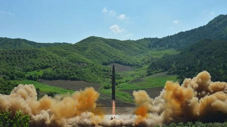 Особый репортаж. Ядерная угроза. Огонь и ярость  (2017)