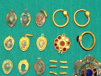 В Азербайджане замечено уникальное древнее захоронение с золотом