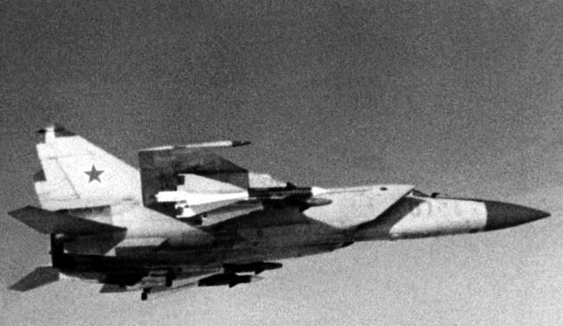 Как в 1973 году советский МиГ-25 над Израилем предупредил ядерную войну