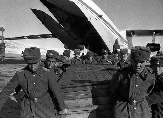 Сколько на самом деле погибло советских военных в Афганистане