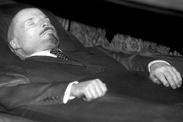 Что бы случилось, если бы Ленина не стали бальзамировать