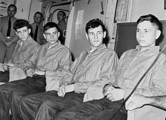 Одиночное плавание: как авианосец США избавил советских «робинзонов» в 1960-м году