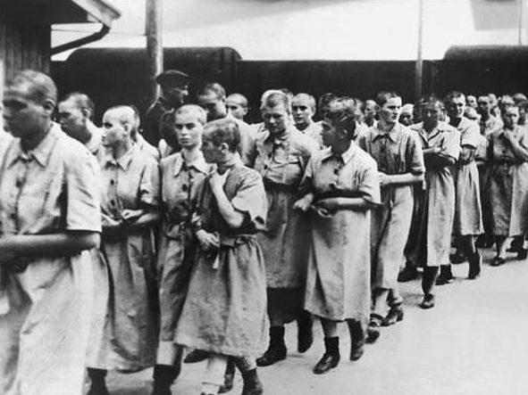Как нацисты использовали волосы узников концлагерей