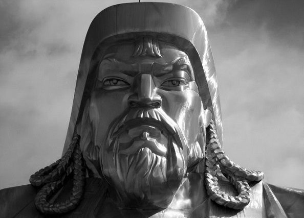 В какого господа верил Чингисхан