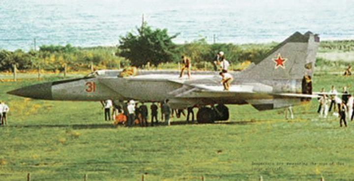 Как пилот Беленко сбежал в Японию на сверхсекретном самолёте МиГ-25