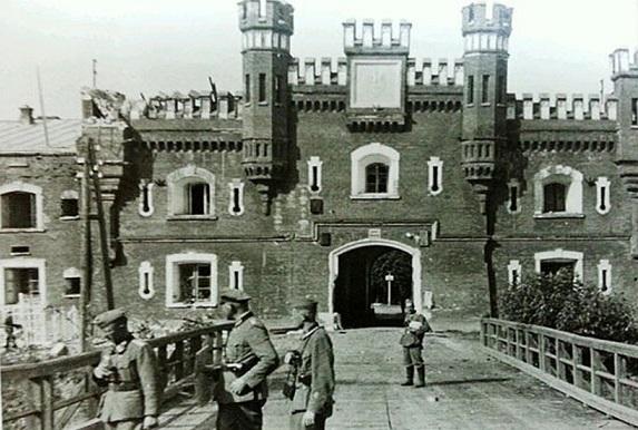 Как немцы взяли штурмом Брестскую твердыня ещё в 1939 году