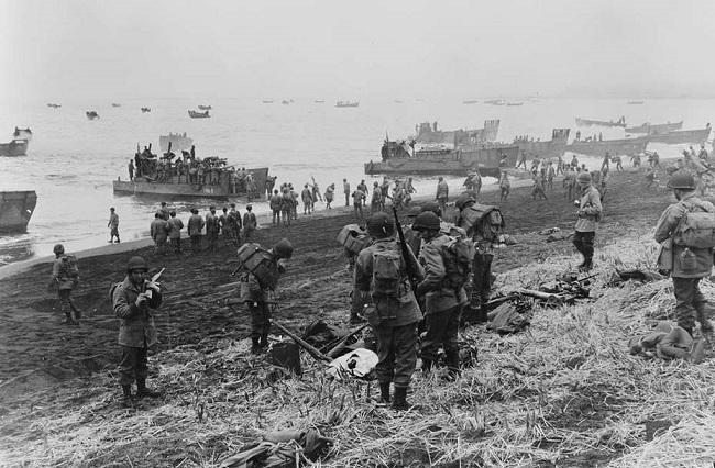 «Дружественный пламя»: как американцы потеряли больше 100 человек при захвате пустого острова