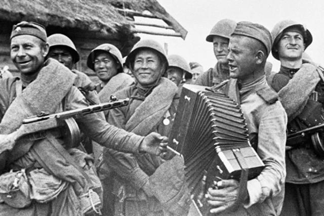 «Землянка»: отчего в 1942 году запретили эту фронтовую песню