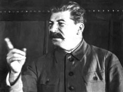 Чтим Сталина, рыданием о жертвах