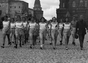 «Любой с каждой»: как анархисты пытались сделать всех женщин в России общими