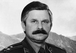 Александр Руцкой: как военный летчик стал вице-президентом России
