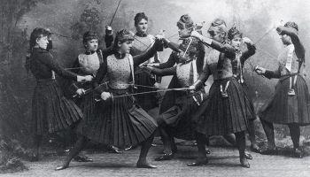 Чем дамские дуэли на Руси отличались от мужских