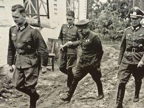 Как немцы поступали с пленными офицерами Алой Армии