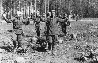 Как советская воля «отучала» красноармейцев сдаваться в плен к немцам