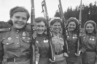 Как немцы поступали с изловленными советскими женщинами снайперами