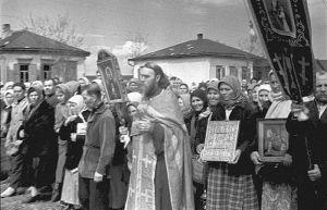 Советские попы: кто платил им деньги