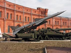<p>В Санкт-Петербурге отворилась выставка «Оружие киногероев»</p>