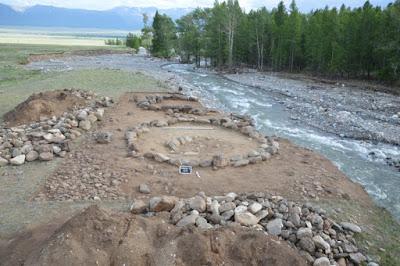 <p>Необычное захоронение, отысканное в Сибири, поставило археологов в тупик</p>