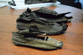 <p>На норде Англии нашли сотни пар обуви римских легионеров</p>