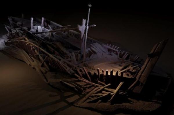 <p>В Черноволосом море нашли мертвую зону с кладбищем древних кораблей</p>