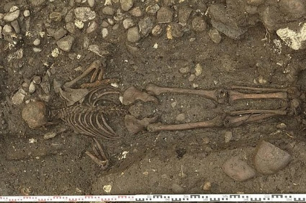 В Швейцарии нашли могилу торговца погребенного лицом вниз