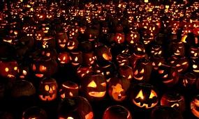<p>Вятская епархия предложила заменить Хеллоуин гуляниями на День общенародного единства</p>
