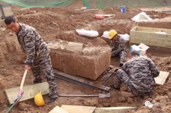 В пекинском зоне Тунчжоу найдены тысячи древностей