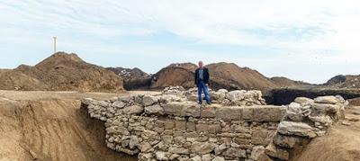 Крымские археологи заметили античный мост через оборонительный ров у Керчи