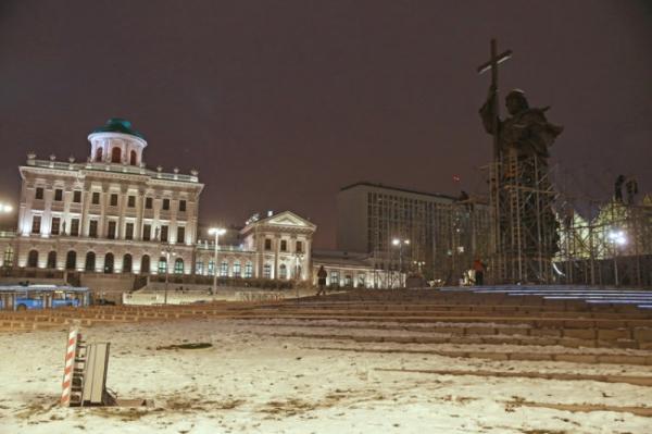 <p>В Москве 4 ноября отворят памятник князю Владимиру Красное Солнышко</p>