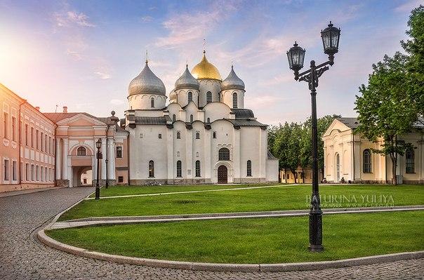 Как-то Новгород — Великий, Новый, древний город.