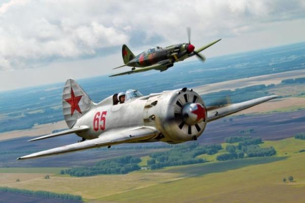 Сын фронтовика вернул в небосвод легендарные самолеты великой Победы
