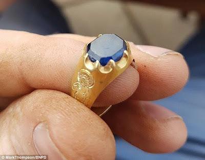 Средневековое золотое перстень нашли в Шервудском лесу