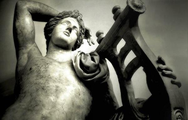 Зачем в Древней Греции убивали неприглядных людей