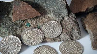 Археологи из Берлина заметили средневековые монеты