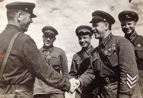 """""""РГ"""" публикует снимки из семейных архивов дочерей маршала Жукова"""