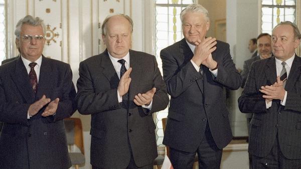 Ельцин отчитался перед Бушем за развал Альянса