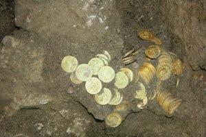 Морские археологи наткнулись на затонувший старый корабль, напичканный драгоценностями