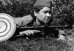 Маншук Маметова – отважная пулеметчица, первая казашка, какая была удостоена звания Герой Советского Союза