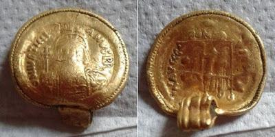 В Великобритании отыщи редчайшую подвеску с изображением византийского императора Юстиниана