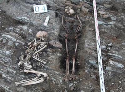 На сберегаю Малого моря обнаружено множество человеческих скелетов