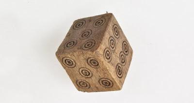 Древний игральный кубик жуликов отыскан в Норвегии