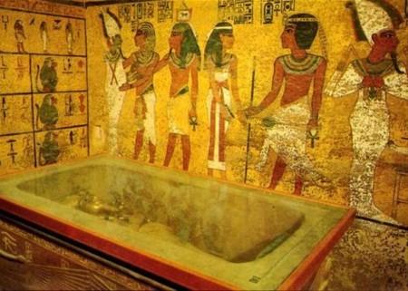 Улика из прошедшего. Призраки фараонов. Загадки египетских гробниц (2018)
