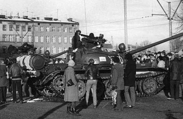 Отчего СССР не стал подавлять военный переворот в Польше в 1981 году