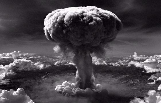 Как уложилась бы история, если бы США не создали атомную бомбу