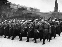 Зачем Сталин 7 ноября 1941 года провел парад-дублёр в Куйбышеве