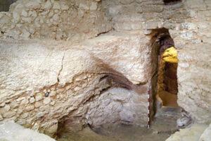 Археологи ввели подлинность Гроба Господня